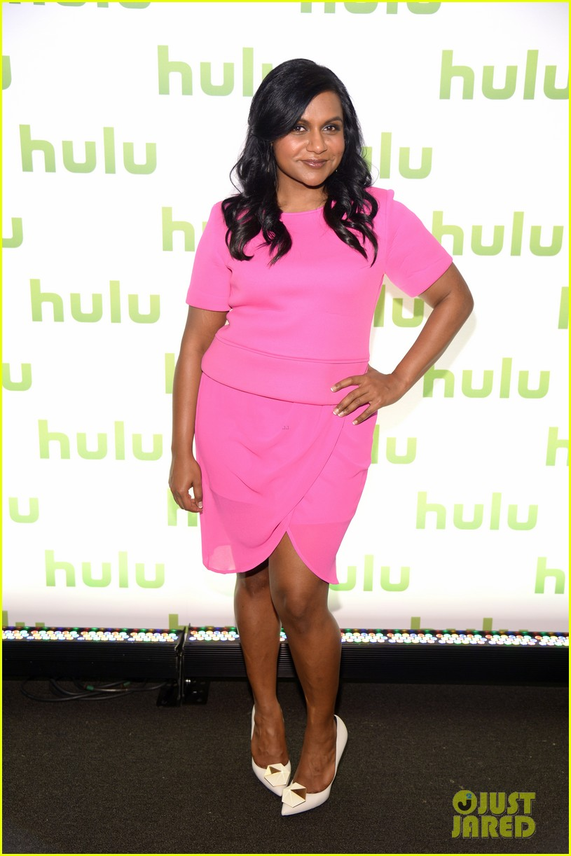 mindy kaling gillian jacobs hulu upfronts 083102448