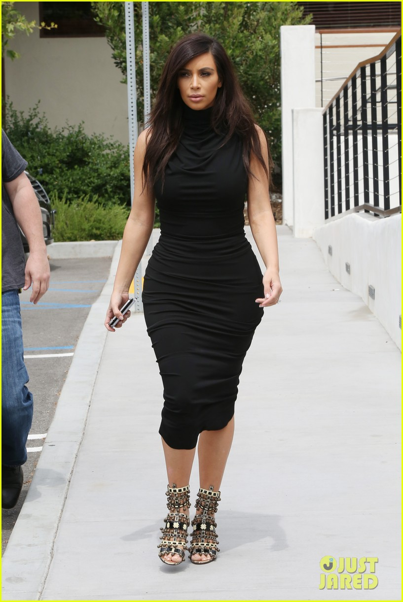 Kim Kardashian Shows Off Her Curves in Form-Fitting Dress: Photo ...