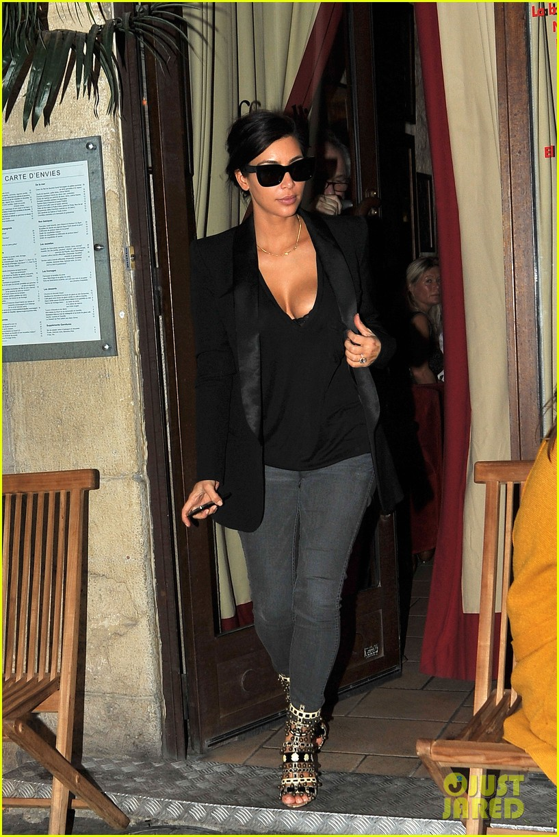 kim kardashian kanye west work out have lunch in paris 14