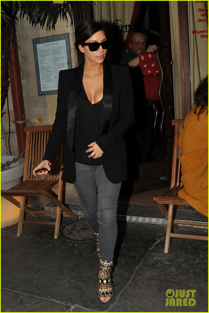 kim kardashian kanye west work out have lunch in paris 16