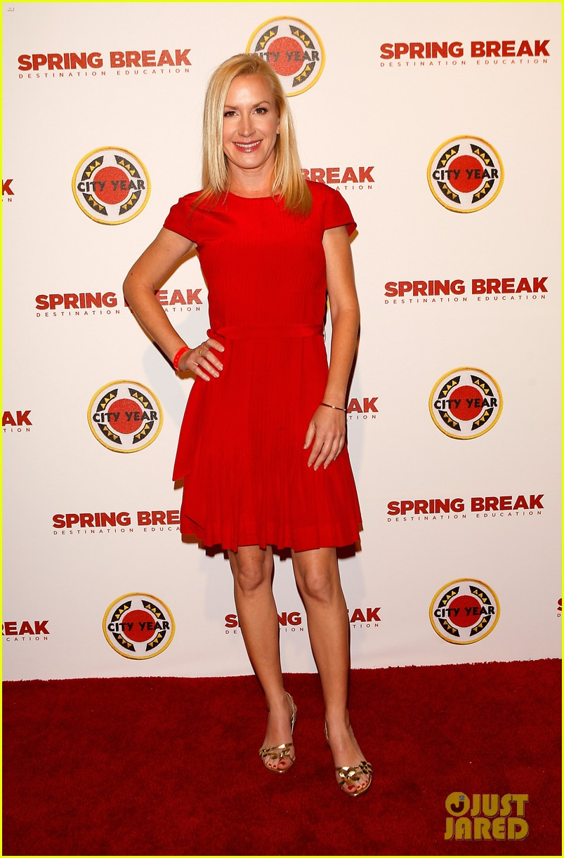 katie lowes julie bowen city year los angeles 2014 103095634