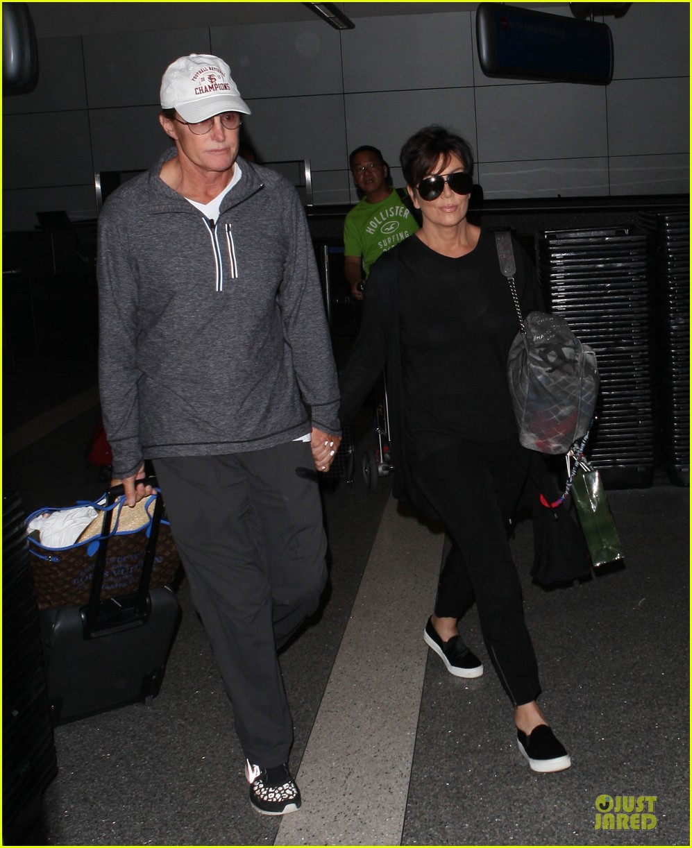 kendall kylie jenner arrive with bruce kris 05