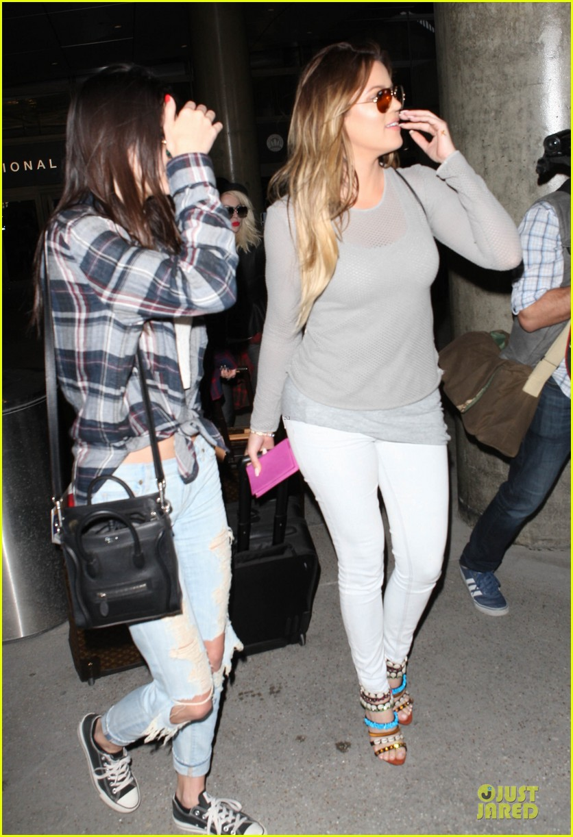 kendall kylie jenner arrive with bruce kris 08