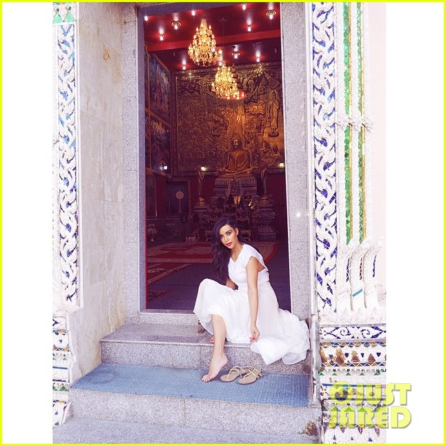 kim kardashian teases hot bikini photo shoot coming soon 043083334