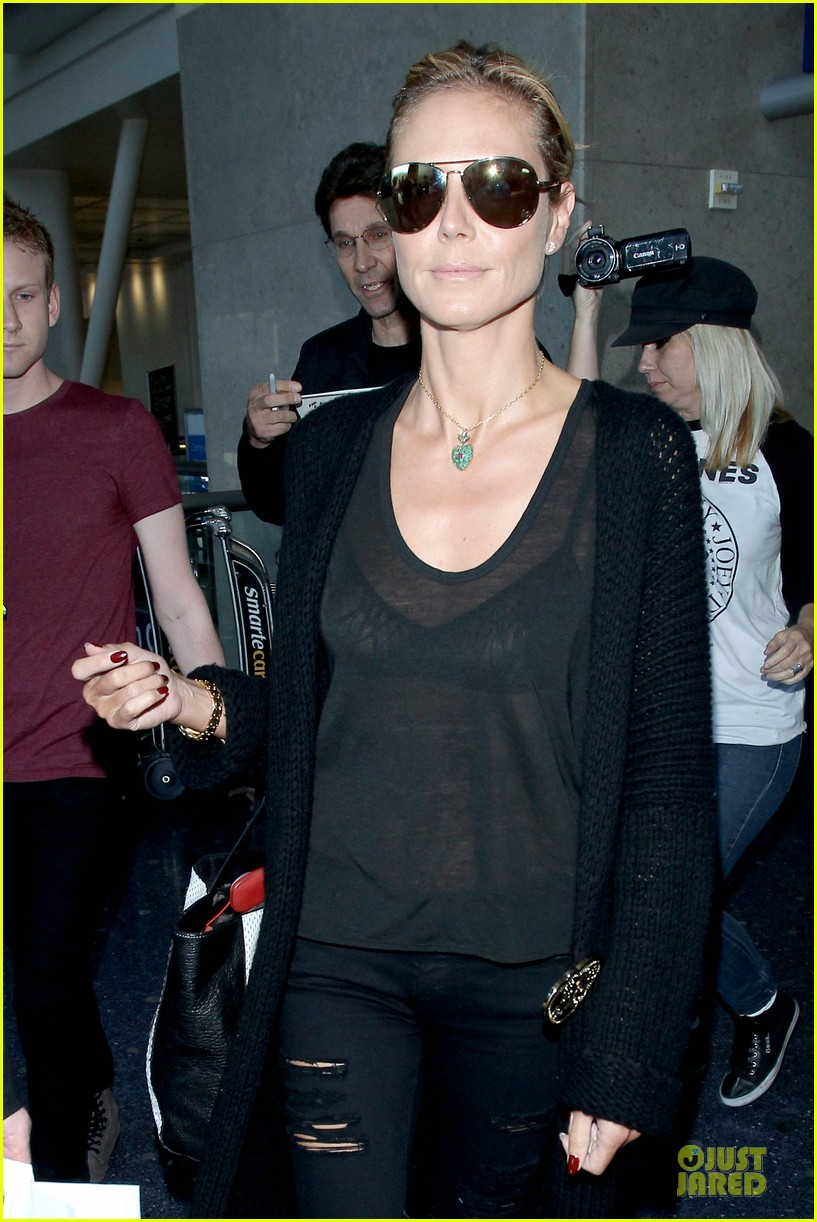 heidi klum sheer top at lax airport 02