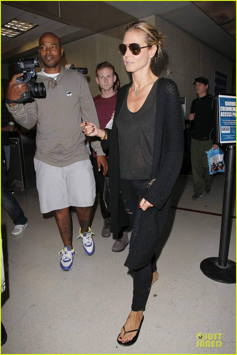 heidi klum sheer top at lax airport 10