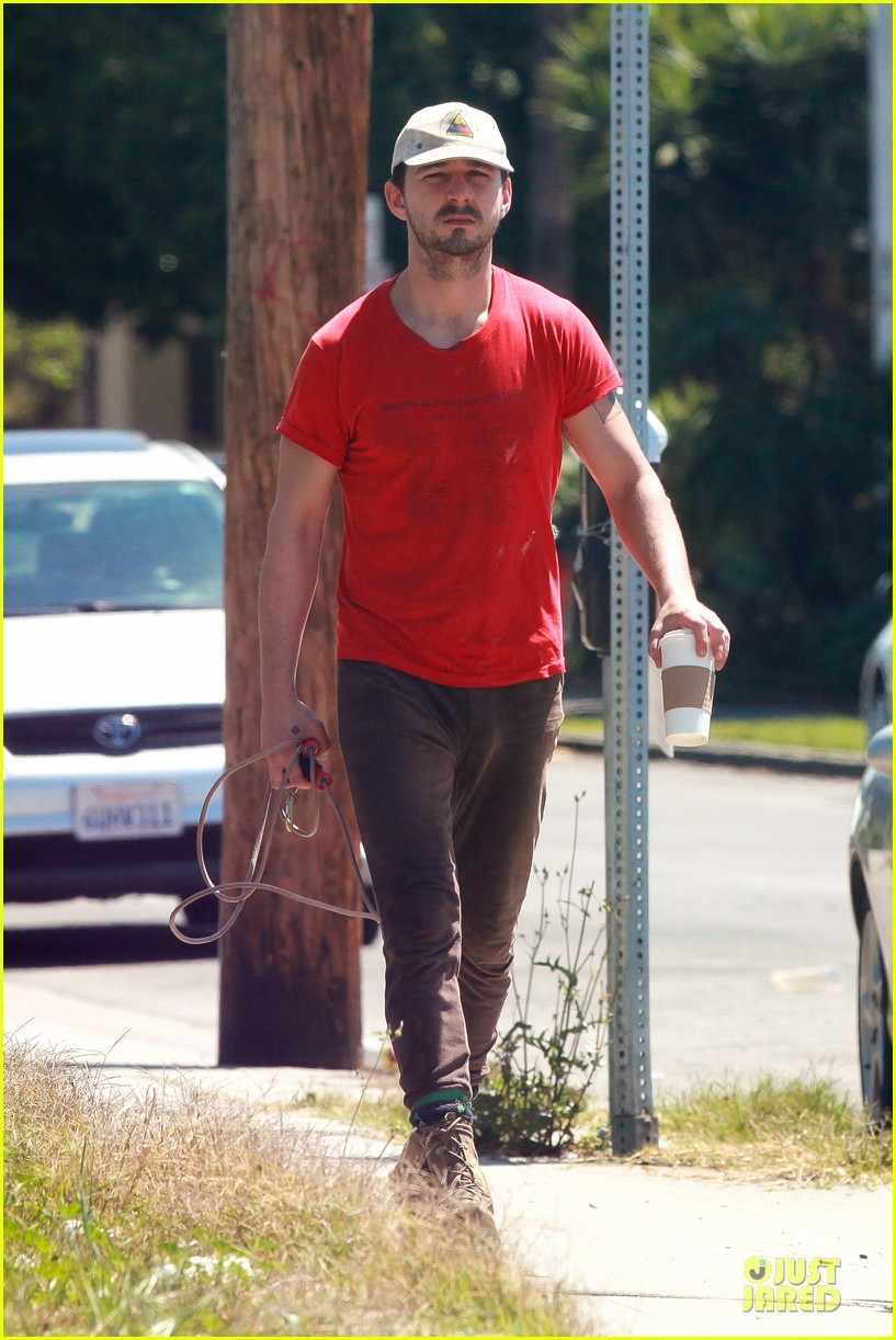 shia labeouf work out with jump rope exercises 15
