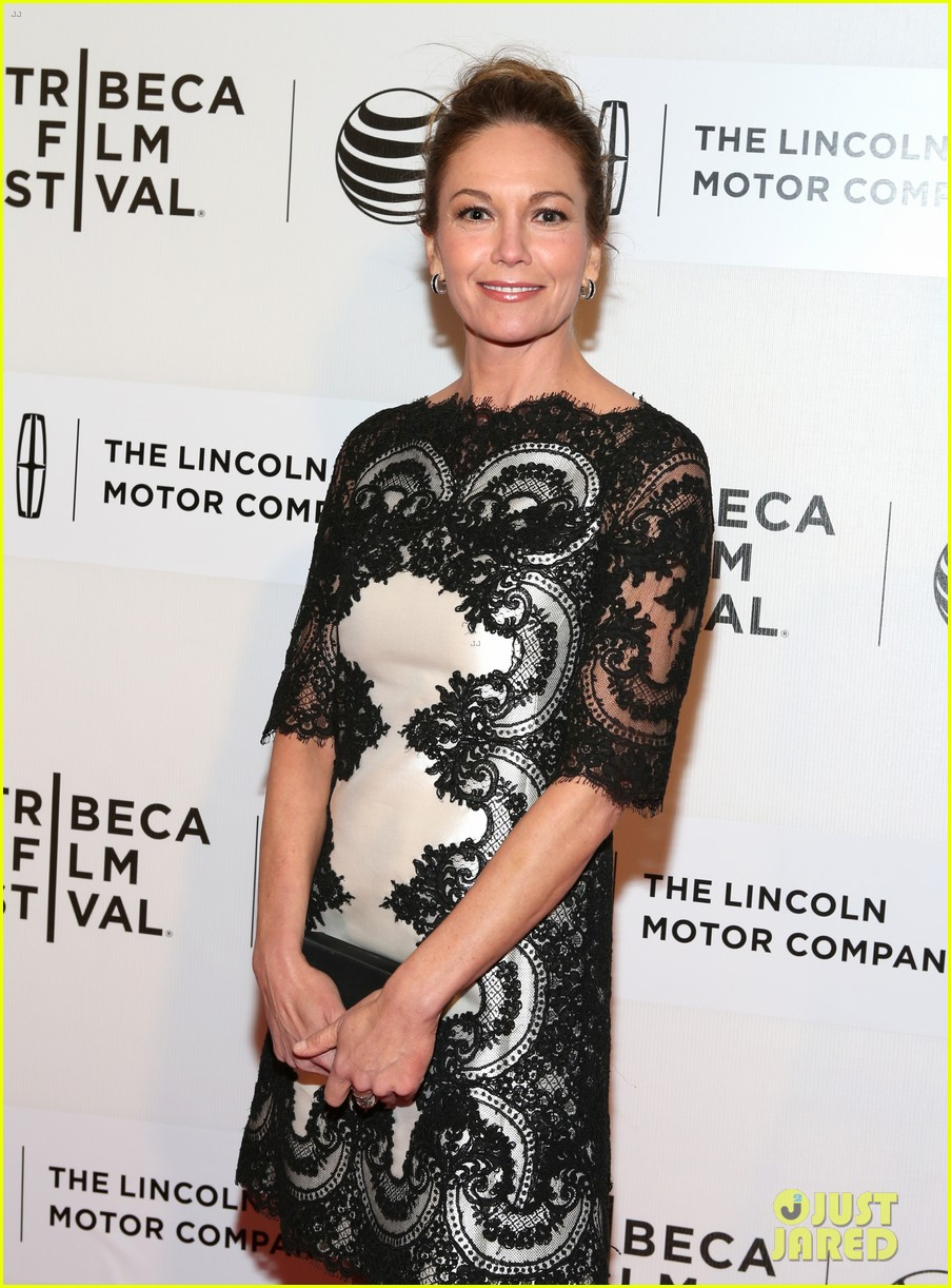 diane lane hasnt had a chance to feel batman costume yet 093096286
