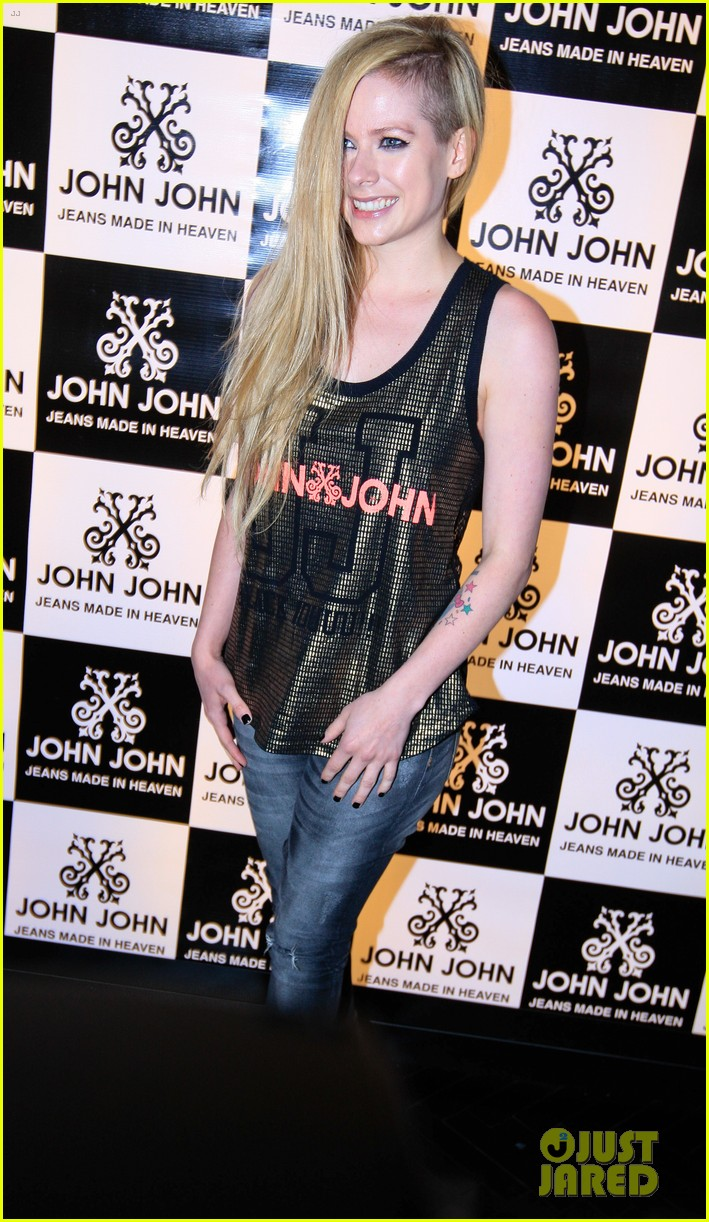 avril lavigne attends event in rio after music video controversy 023101941