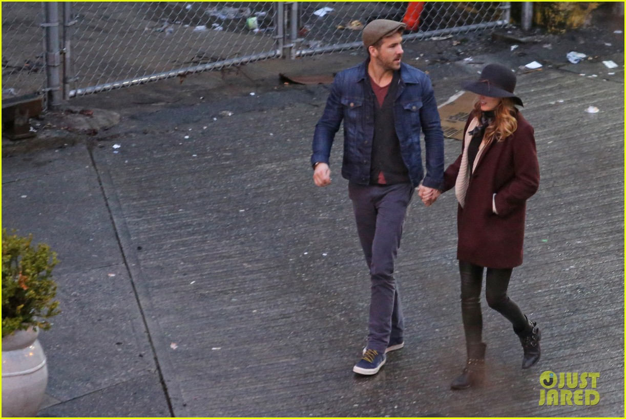 blake lively ryan reynolds hold hands most adorable couple 133086053