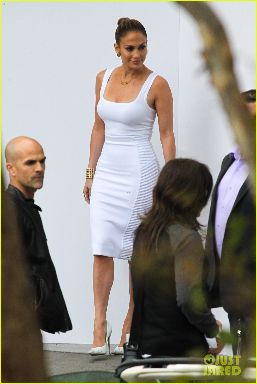 jennifer lopez white hot form fitting dress idol 07