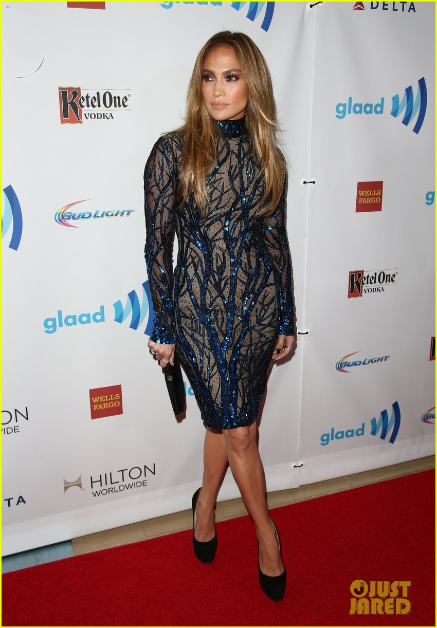 jennifer lopez glaad vanguard award boyfriend casper smart 013090029