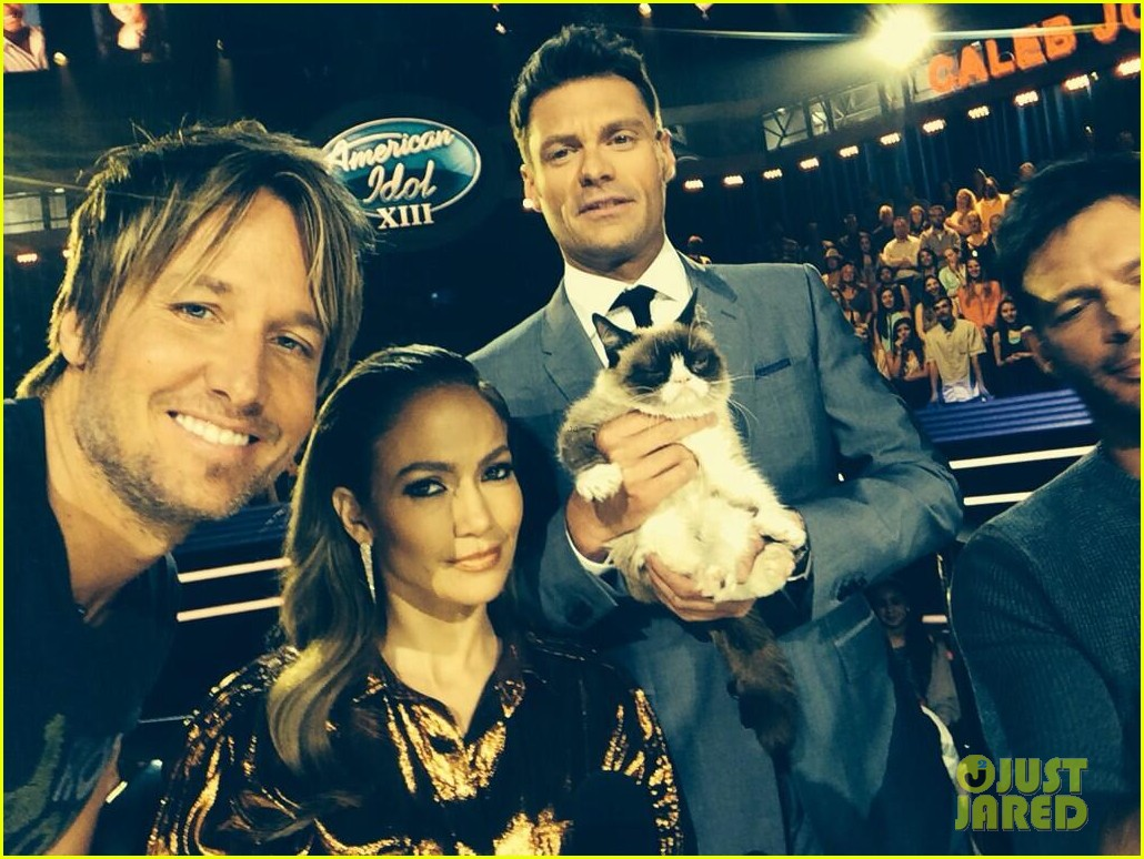 jennifer lopez keith urban welcome grumpy cat to idol 02