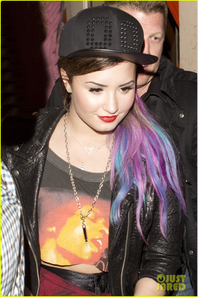 demi lovato colorful clip on hair extensions 04