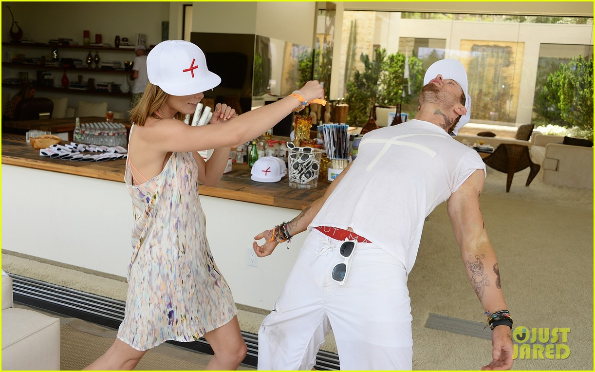 kellan lutz ashley greene show off beach bodies coachella pool party 12