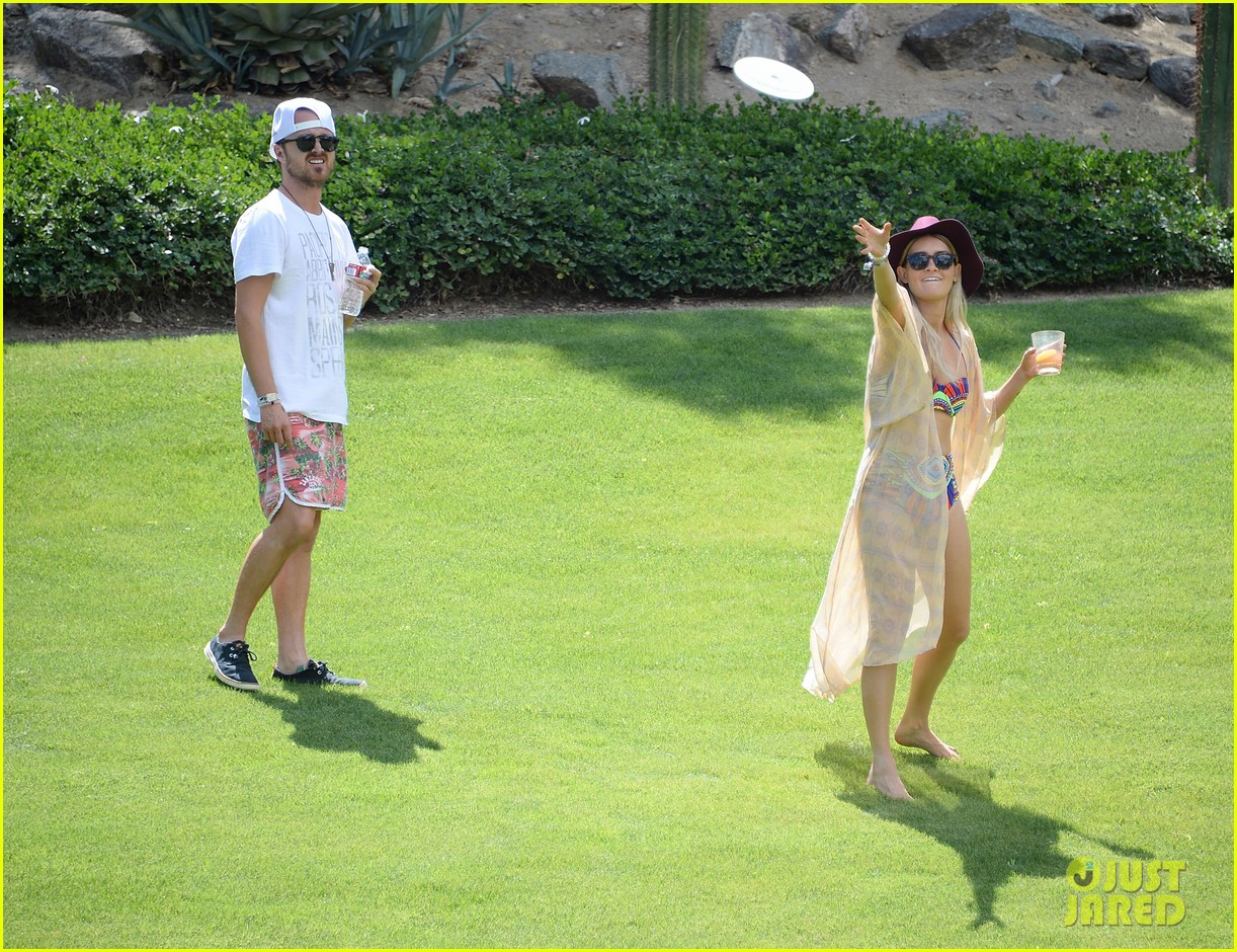 kellan lutz ashley greene show off beach bodies coachella pool party 18