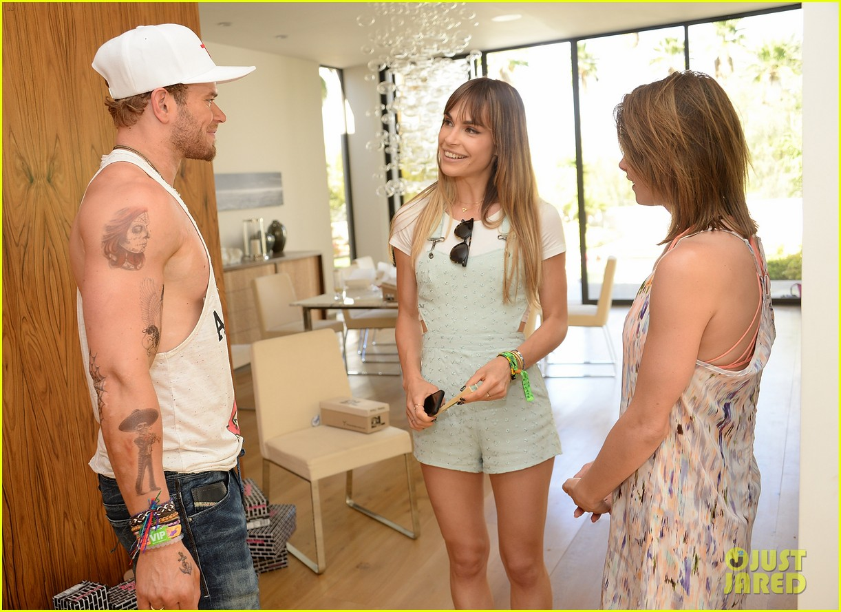 kellan lutz ashley greene show off beach bodies coachella pool party 32
