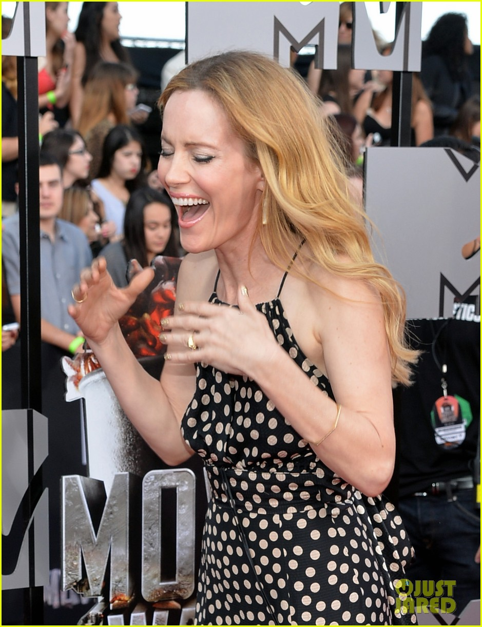 leslie mann brings the whole family to the mtv movie awards 2014 043091111
