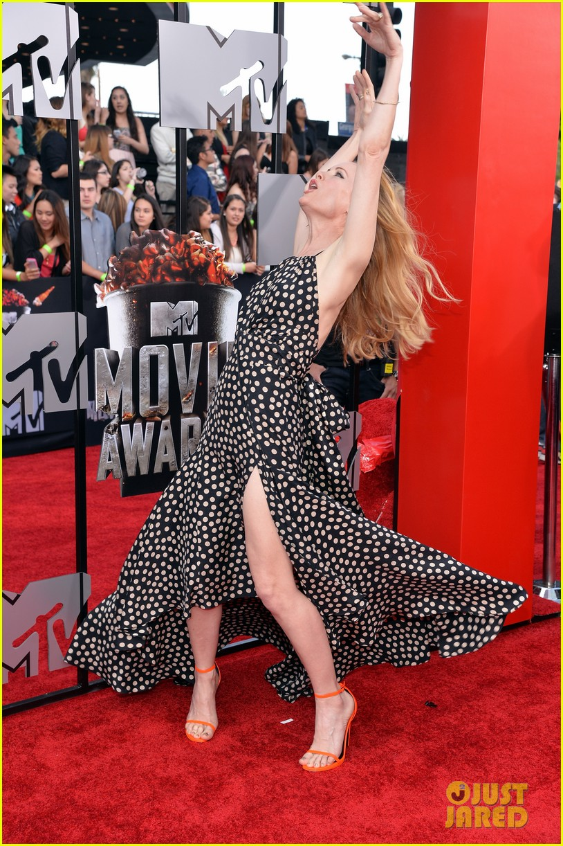 leslie mann brings the whole family to the mtv movie awards 2014 093091116