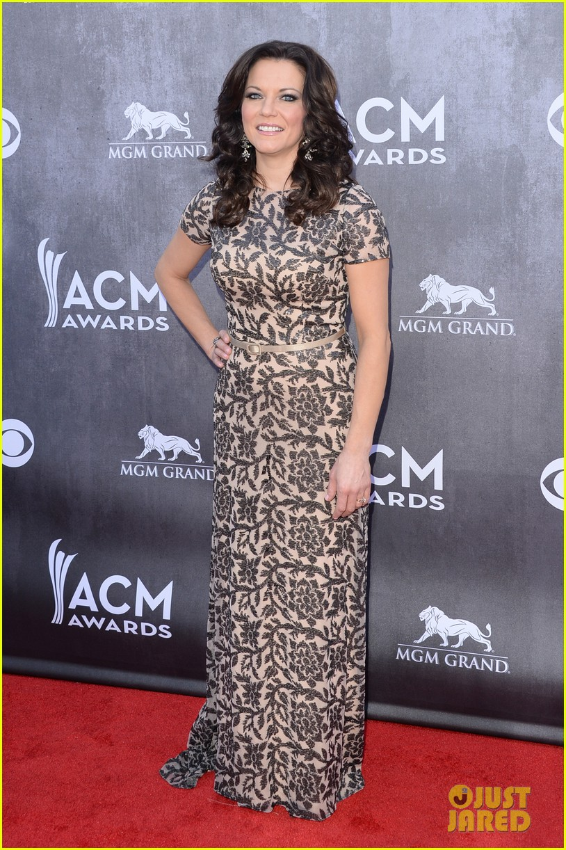 martina mcbride acm awards 2014 red carpet 02