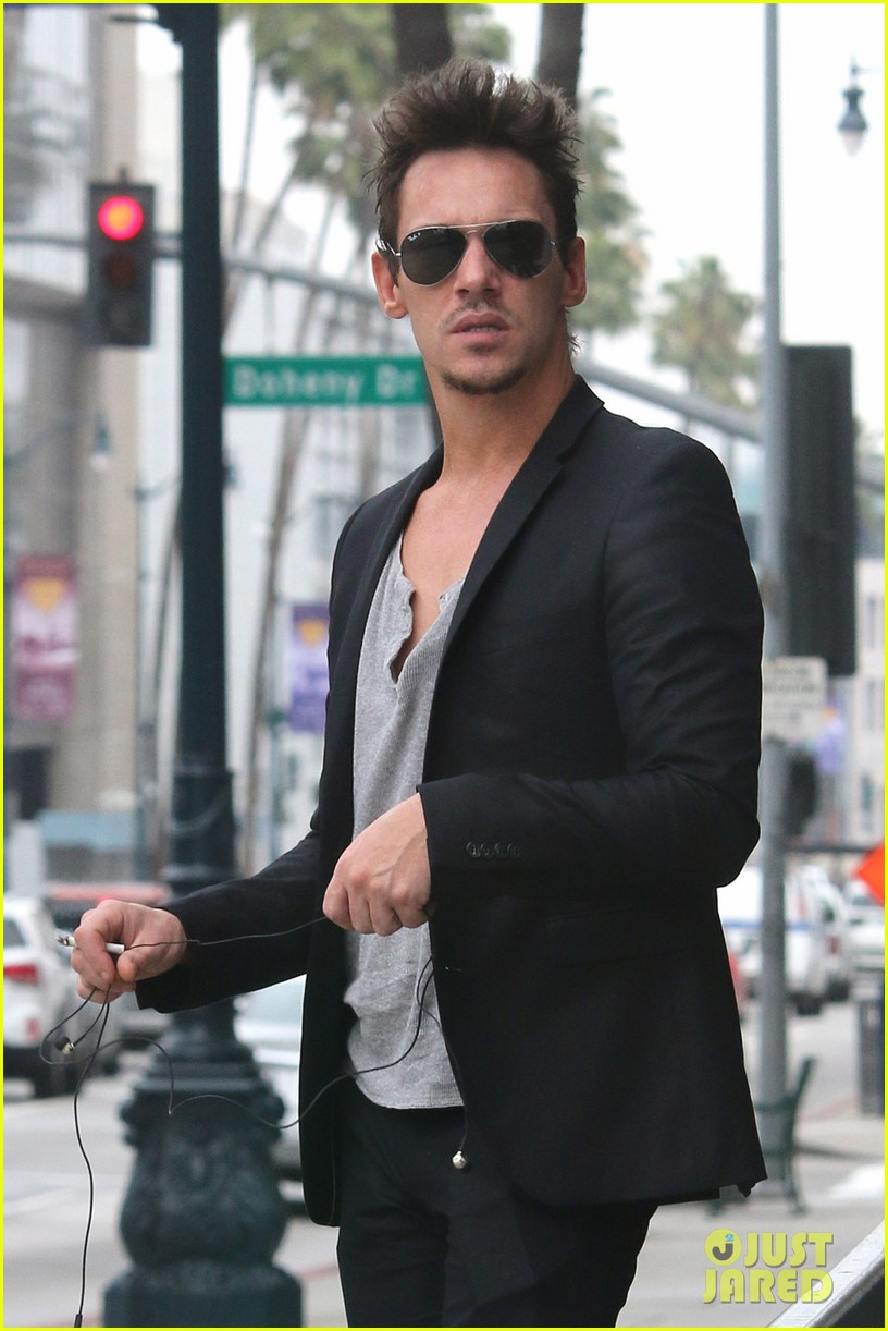 http://cdn03.cdn.justjared.com/wp-content/uploads/2014/04/meyers-treat/jonathan-rhys-meyers-pictures-are-a-great-friday-treat-02.jpg