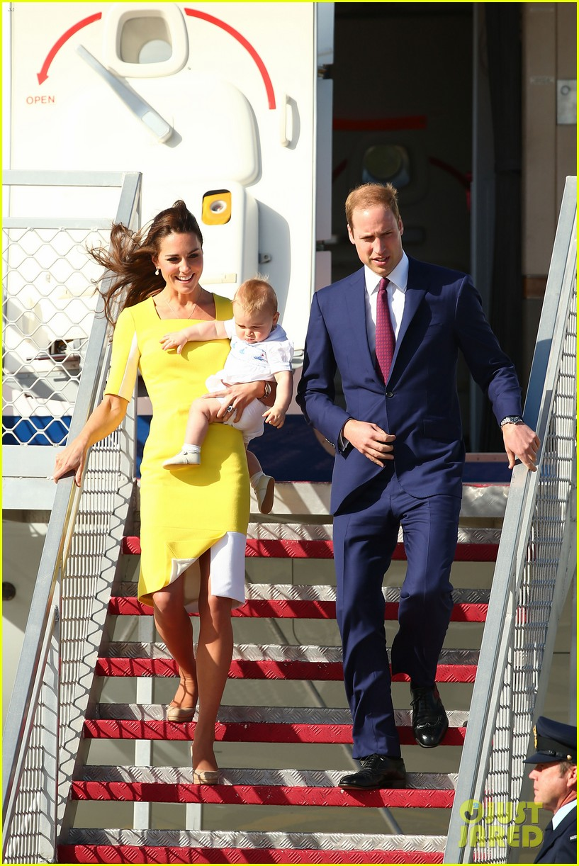 kate middleton changes into yellow dress to arrive in australia 013093084