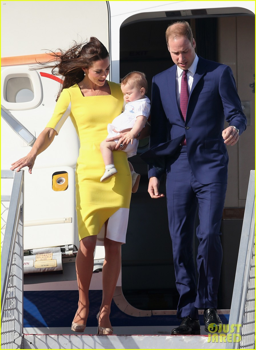 kate middleton changes into yellow dress to arrive in australia 12