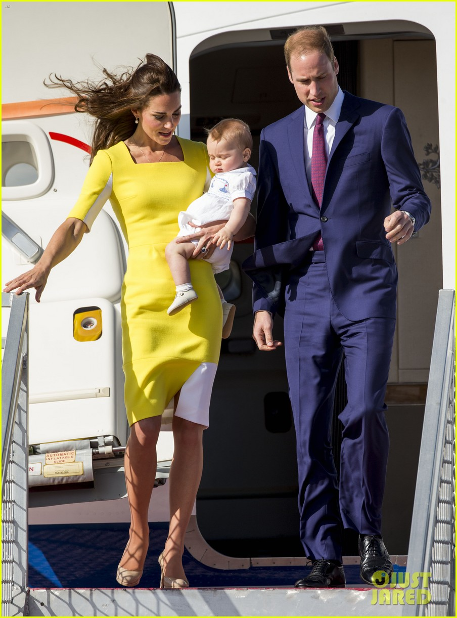 kate middleton changes into yellow dress to arrive in australia 26