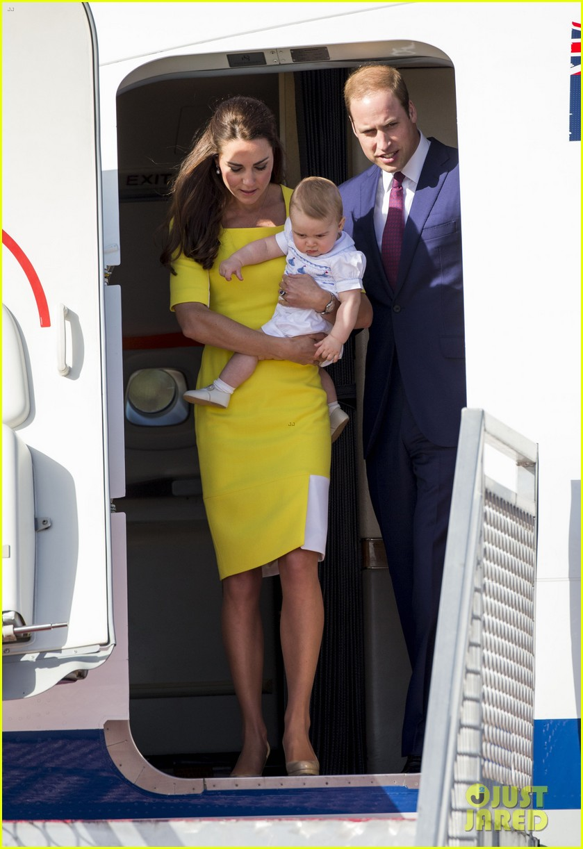 kate middleton changes into yellow dress to arrive in australia 27