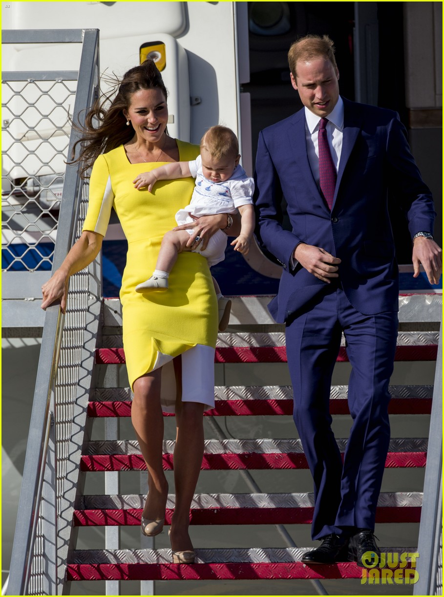 kate middleton changes into yellow dress to arrive in australia 283093111
