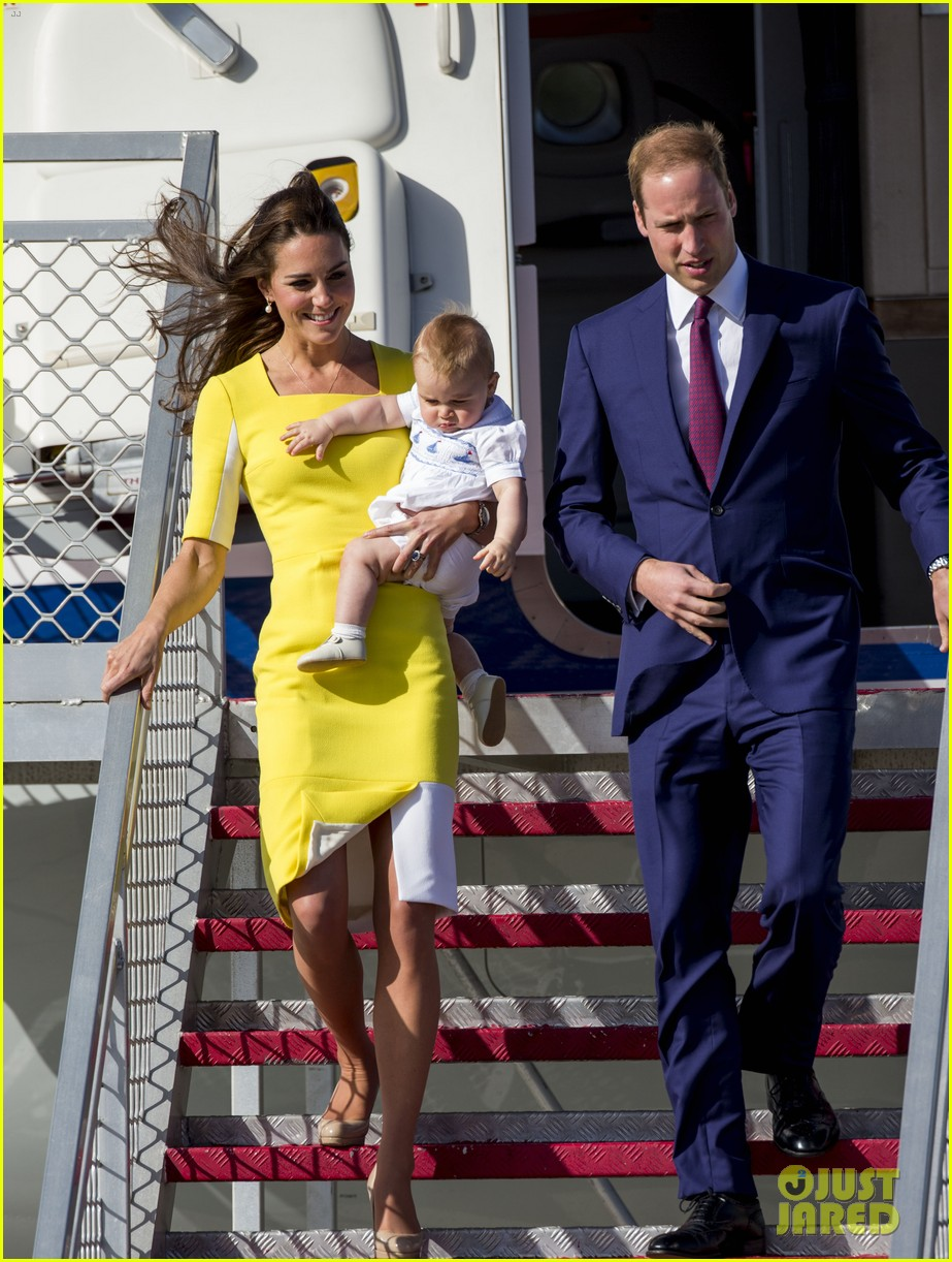 kate middleton changes into yellow dress to arrive in australia 293093112
