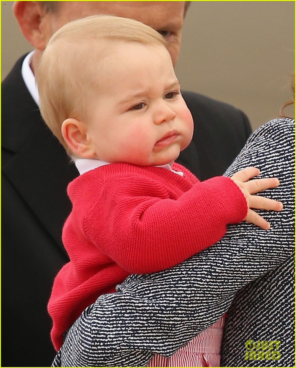 kate middleton prince william prince george say goodbye to australia 20