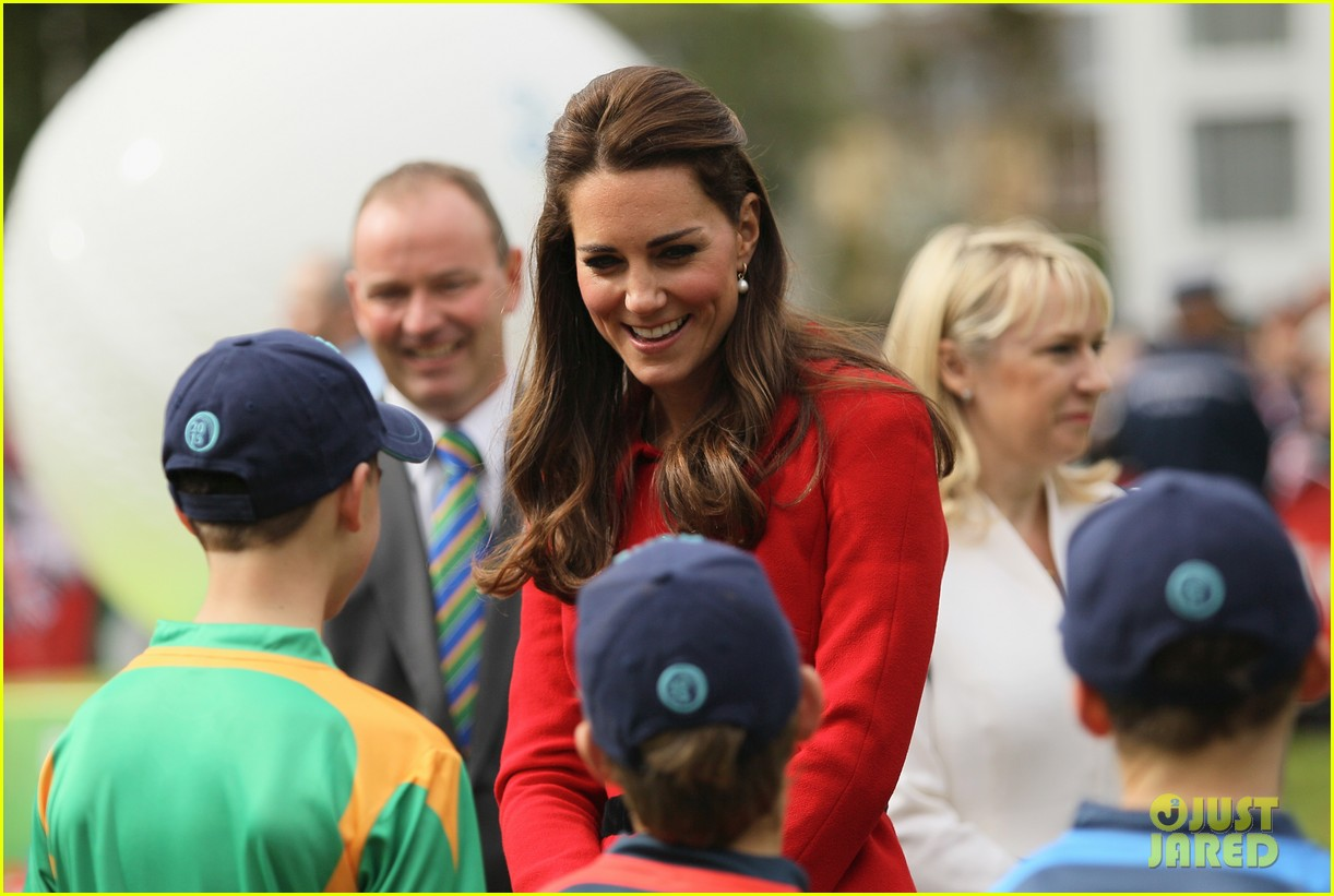 kate middleton not pregnant with second child sources say 06