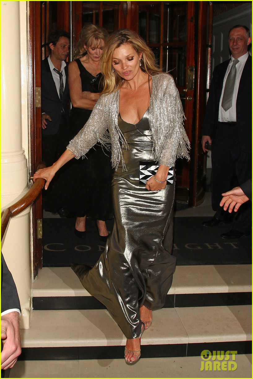 sienna miller celebrates kate moss with hot british models 31
