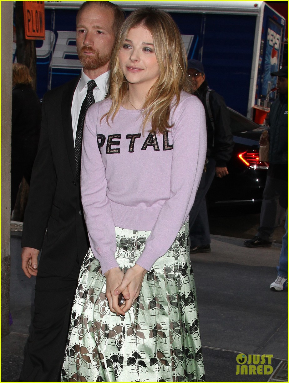 chloe moretz pretty as a petal for today show appearance 07