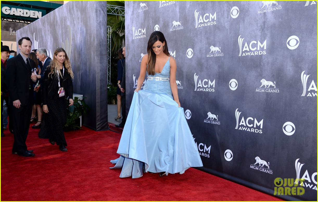 kacey musgraves acm awards 2014 red carpet 05