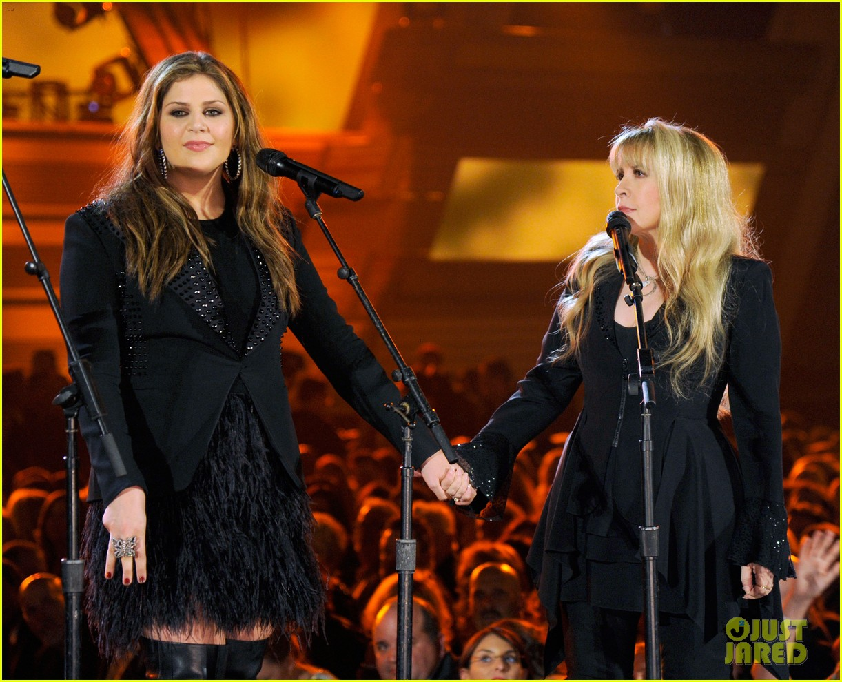 stevie nicks lady antebellum perform together acm awards 2014 05