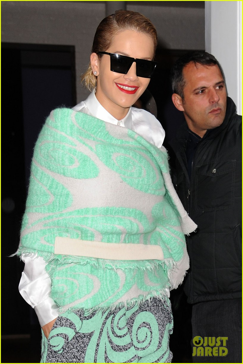 rita ora reportedly signs new deal with roberto cavalli 27