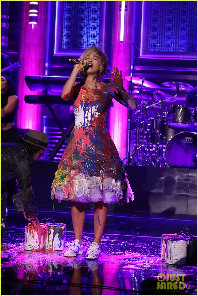 rita ora has paint party for i will never let you down performance on tonight show 02