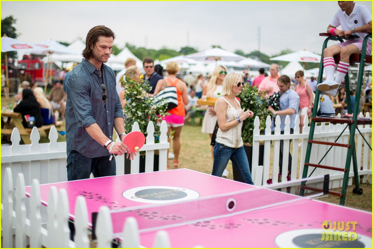 jared padalecki wife genevieve picture perfect couple austin food festival 04