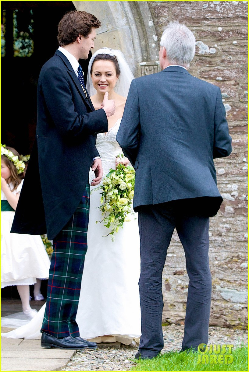 pippa middleton goes green for her friends wedding 03