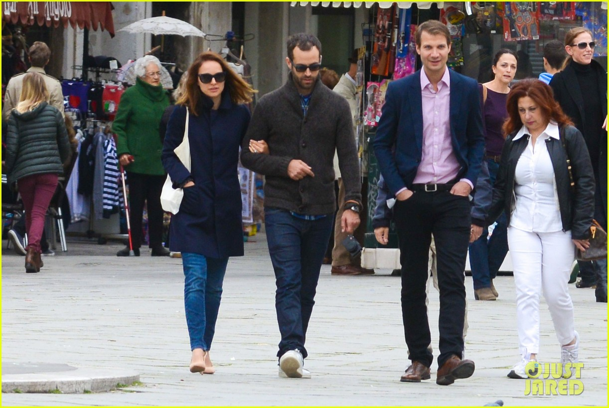 natalie portman benjamin millepied romantic vacation venice 01