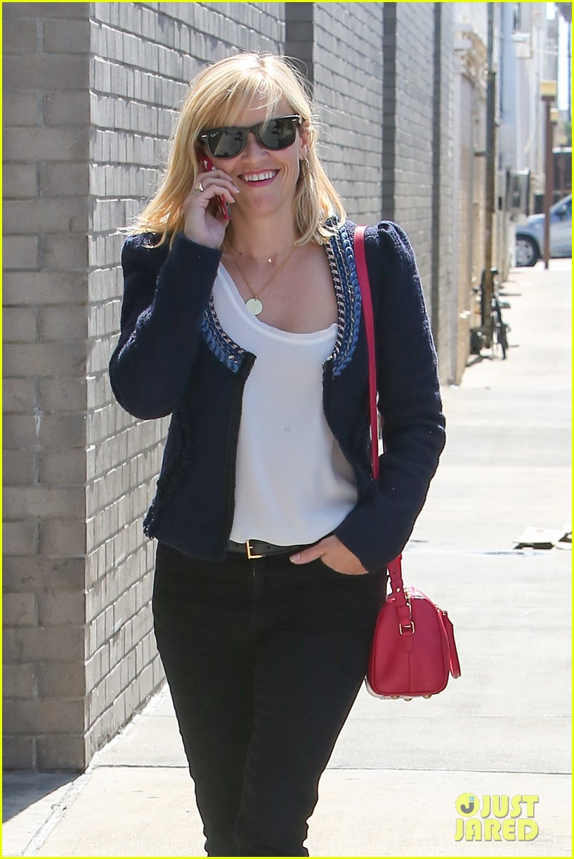 reese witherspoon is all about peeps in her easter basket 063097397