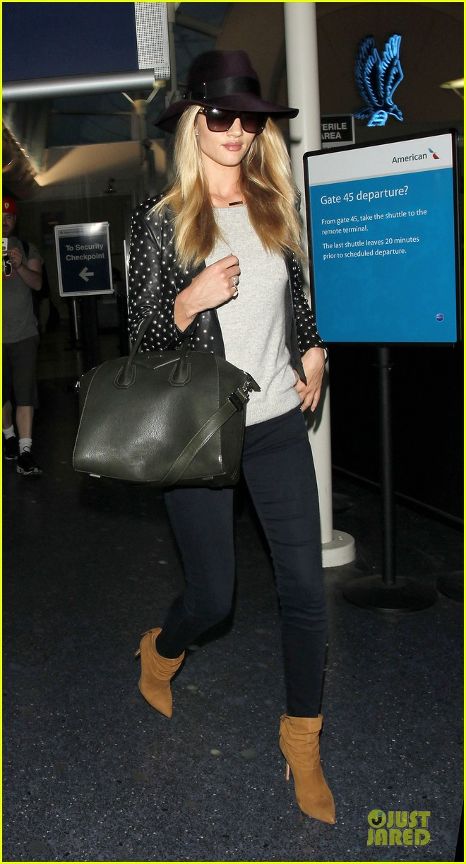 rosie huntington whiteley celebrate 27th birthday at lax 073094877