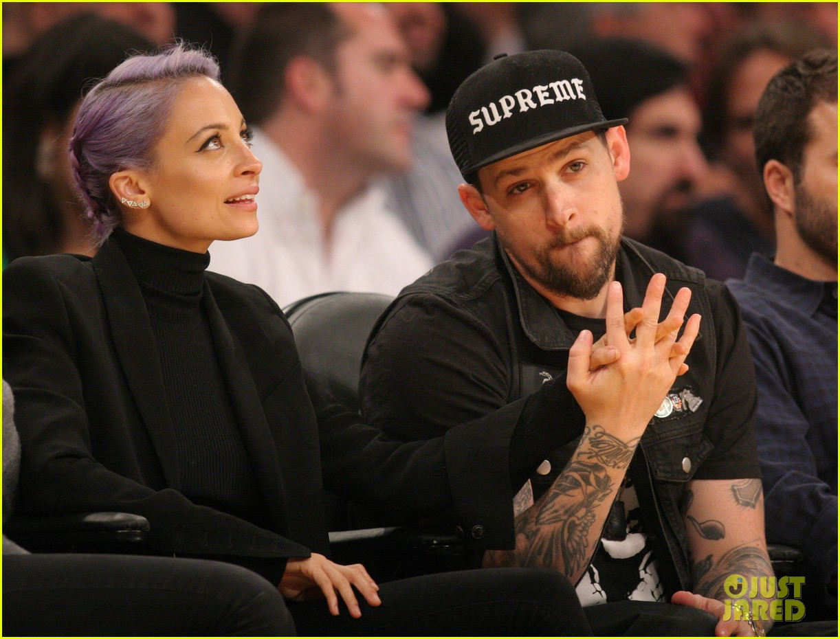 nicole richie lands reality television deal with vh1 043083369