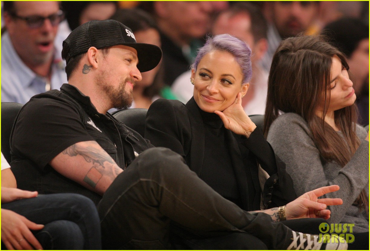 nicole richie lands reality television deal with vh1 06