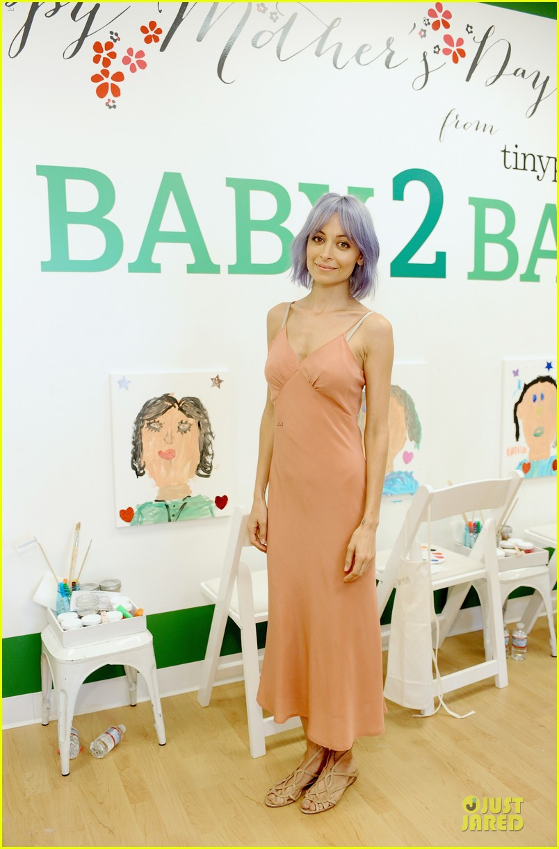 nicole richie baby mother day celebration 01