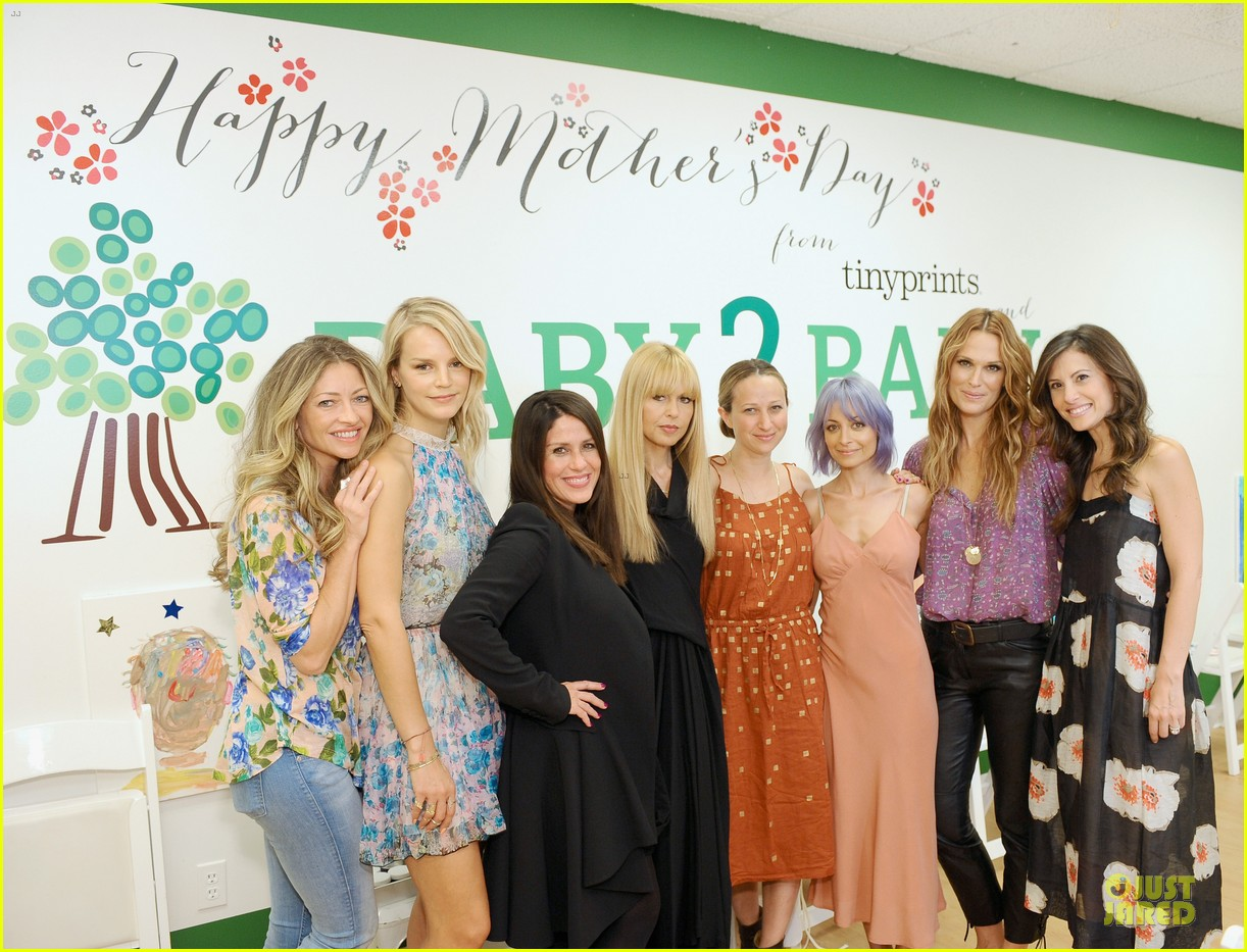 nicole richie baby mother day celebration 11