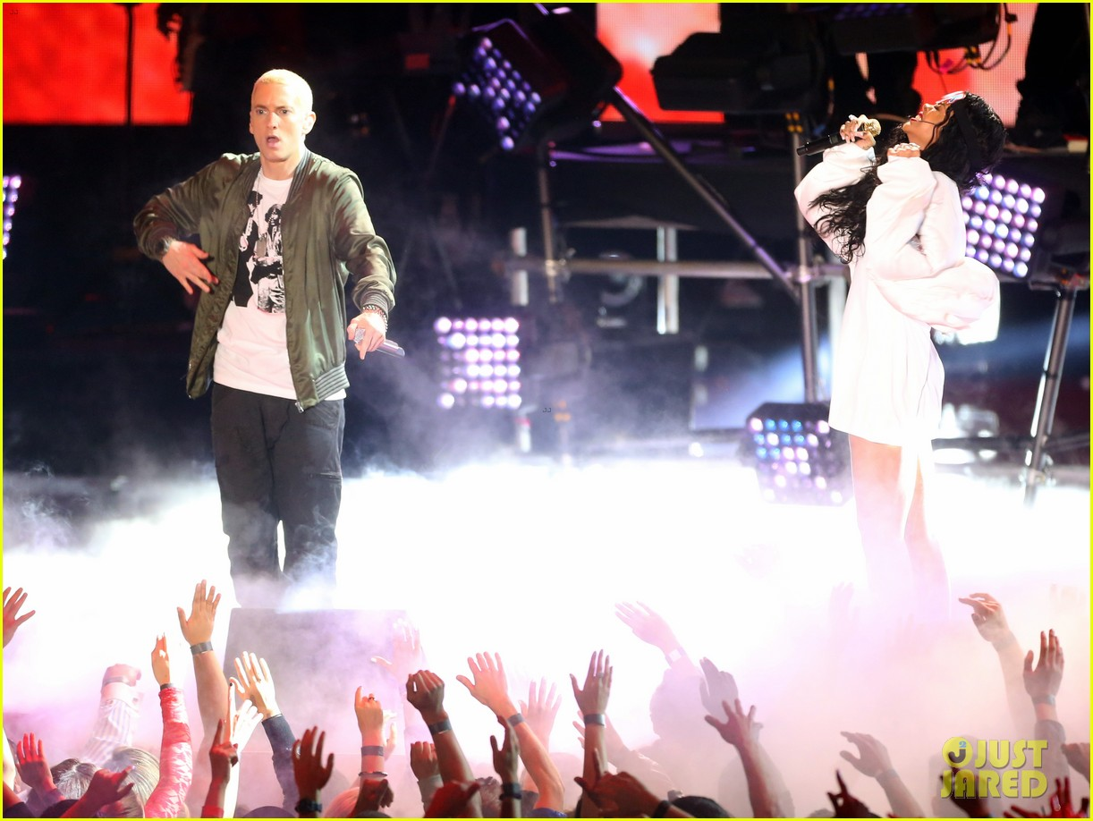 rihanna eminem mtv movie awards 2014 performance 08