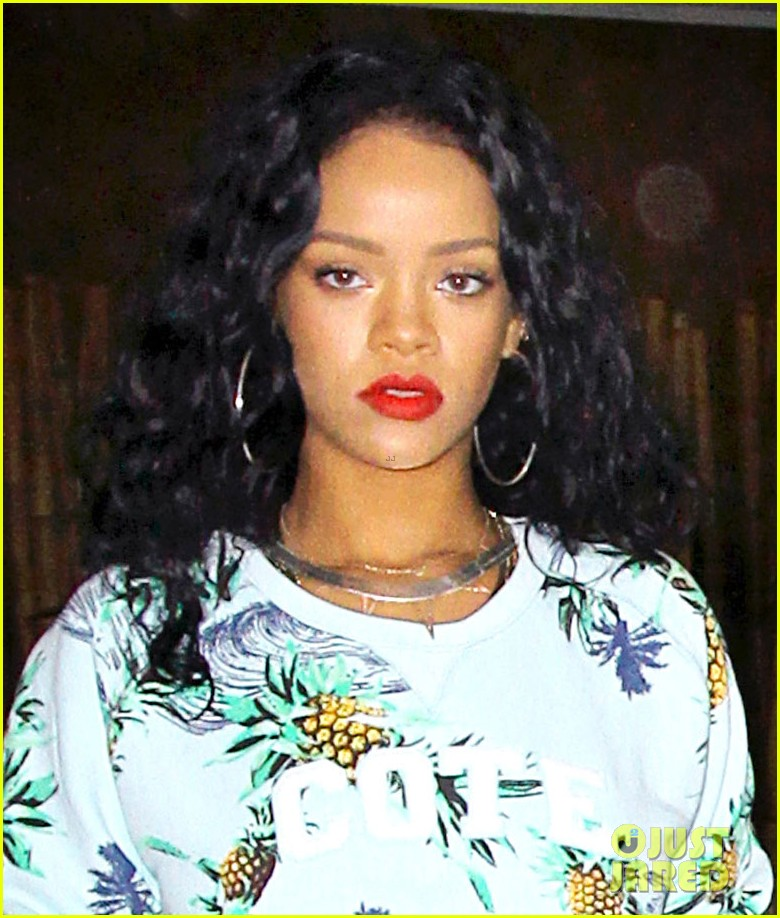 rihanna blasts clippers donald sterling racist remarks 01